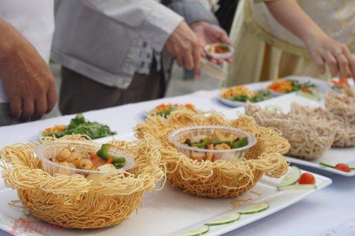 Ngây ngất trước các món ăn độc đáo tại Lễ hội ẩm thực Bếp ăn chợ Lớn