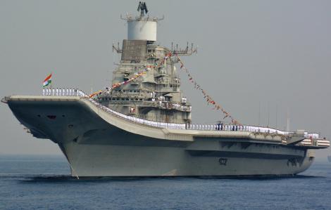 Ấn Độ điều tàu sân bay theo dõi tập trận chung Trung Quốc - Pakistan