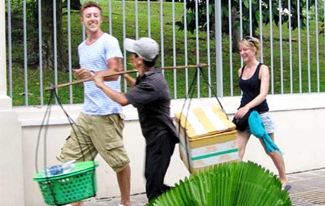 Chèo kéo, chặt chém khách vẫn là 'vết đen' của du lịch TP.HCM