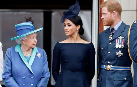 Nữ hoàng không còn gọi Harry và Meghan bằng các tước hiệu Hoàng gia