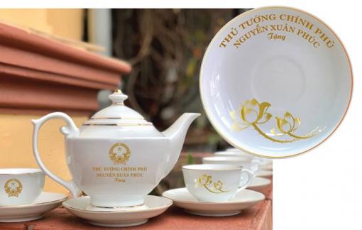 Cơ sở kinh doanh in tên Chủ tịch nước, Thủ tướng lên sản phẩm gốm sứ bị phạt