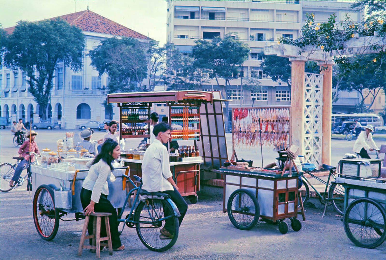 Văn hóa ẩm thực vỉa hè Sài Gòn vẫn khiến bao người không thôi nhung nhớ