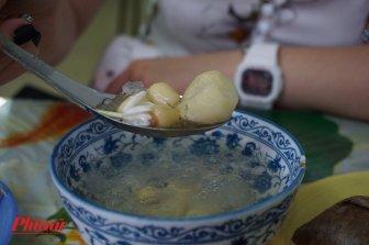 Quán chè thạch 60 năm tuổi đời lưu giữ nguyên vẹn ký ức Sài Gòn xưa