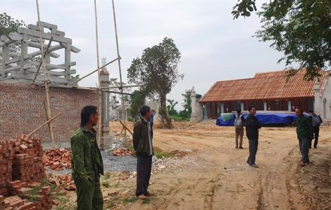 Bốn cán bộ xã xin nhận kỷ luật trong vụ chùa triệu đô xây 'chui'