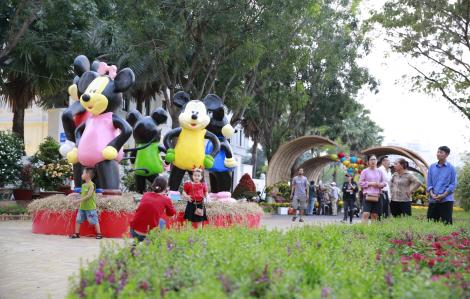 Hội hoa xuân Phú Mỹ Hưng 2020 rộn ràng trước ngày khai mạc