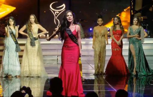 Thí sinh mắng BTC ngay trên sân khấu chung kết Hoa hậu Toàn cầu