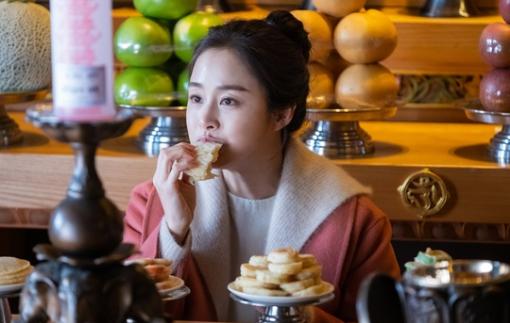 Kim Tae Hee bị cuốn hút bởi các vai diễn mẹ sau sinh