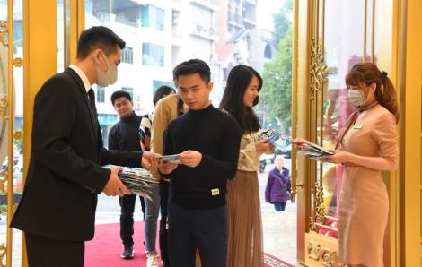 Đến DOJI Tower mua vàng Thần Tài: tặng khẩu trang Nhật Bản 3D cao cấp