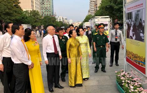 """Khai mạc triển lãm """"Đảng Cộng sản Việt Nam - Sáng mãi niềm tin"""""""