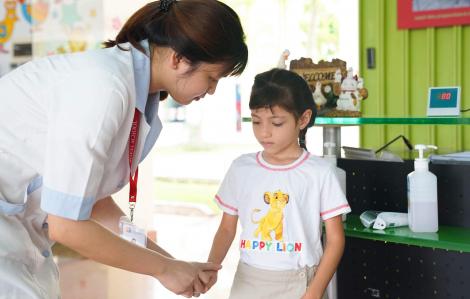 TP.HCM: Trường học phải liên hệ phụ huynh nắm tình hình học sinh trước khi đi học lại