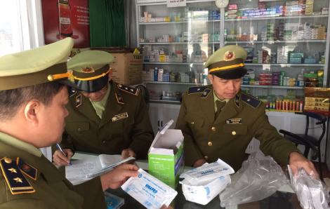 Một ngày 85 cửa hàng bị phạt vì găm hàng, đẩy giá khẩu trang y tế