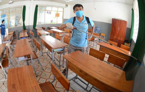 Cận cảnh trường học TP.HCM tổng vệ sinh phòng chống dịch corona