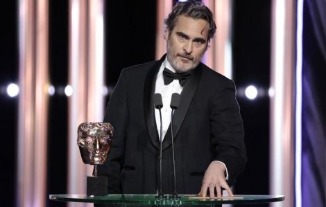 Joaquin Phoenix lên án nạn phân biệt chủng tộc