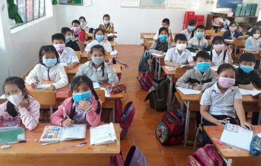 Trường học ở Bình Phước ứng phó virus corona trong ngày nhập học trở lại