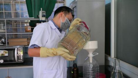 Cận cảnh quy trình sản xuất nước rửa tay khô miễn phí giúp người dân phòng ngừa virus corona