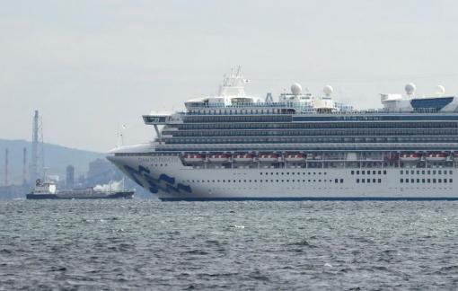Nhật Bản cách ly 3.700 người trên du thuyền có người dương tính với coronavirus