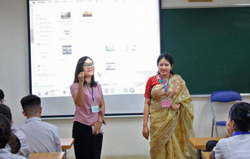 Những cô giáo làng cùng học trò học tiếng Anh xuyên lục địa