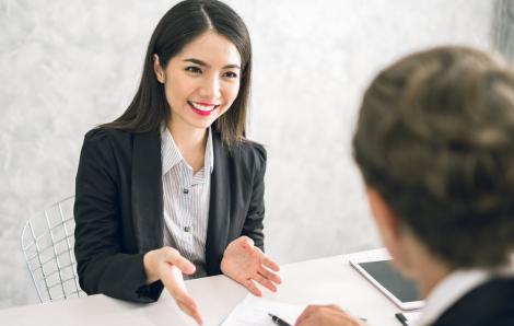 Lỡ dại rủ vợ cùng quản lý công ty