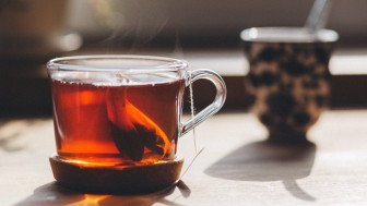 Uống trà với ba
