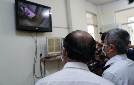 Thứ trưởng Bộ Y tế Nguyễn Trường Sơn kiểm tra công tác phòng, chống nCoV tại TPHCM