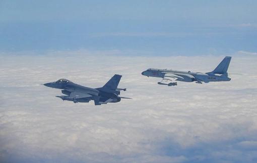 Đài Loan dùng máy bay phản lực ngăn chặn không quân Trung Quốc đại lục bay quanh đảo