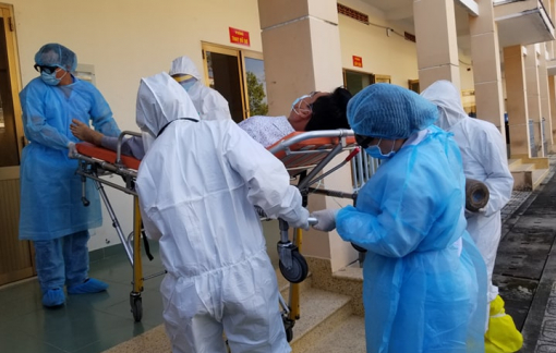 Diễn tập cấp cứu bệnh nhân nhiễm virus corona tại bệnh viện dã chiến