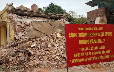 Trạm phát sóng Bạch Mai đã bị phá dỡ một phần