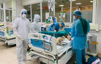 Cháu bé 3 tháng tuổi nhiễm virus corona được chuyển lên tuyến trên