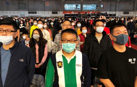 Trung Quốc cố gắng cân bằng dịch bệnh với nhiệm vụ kinh tế khi 160 triệu người trở lại làm việc