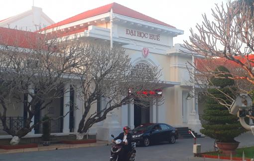 Đại học Huế thông báo sinh viên đi học, rồi lại cho nghỉ đến ngày 23/2
