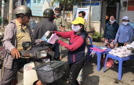Cơm chay từ thiện giữa mùa dịch bệnh
