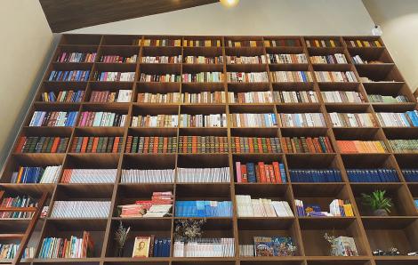 Quán cà phê khiến khách choáng ngợp với kho tàng hơn 1000 quyển sách