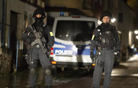 Lao xe vào đám đông diễu hành ở Đức, 30 người bị thương