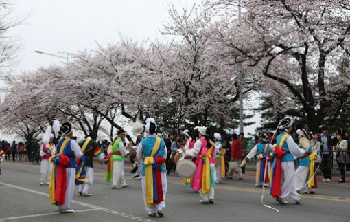 Ngưng đưa khách du lịch đến Hàn Quốc, Ý vì COVID-19