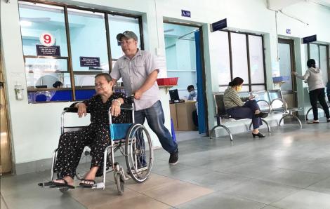 Bác sĩ chỉ được khám 65 ca/ngày, số bệnh nhân đến TP.HCM tăng 10% mỗi năm đi về đâu?