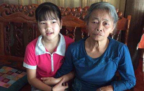 Bức thư của bé gái 5 năm chưa được cha mẹ đi họp phụ huynh gây sốt
