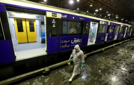 Iran hạn chế đi lại trong nước ngăn COVID-19 lây lan