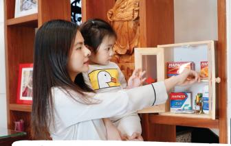 'Tủ thuốc gia đình' của các bà mẹ nổi tiếng giữa dịch COVID-19 có gì?