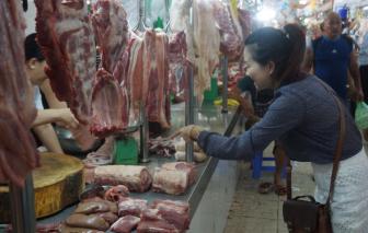 Giá thực phẩm 'nhấp nhổm' tăng theo lịch học các trường