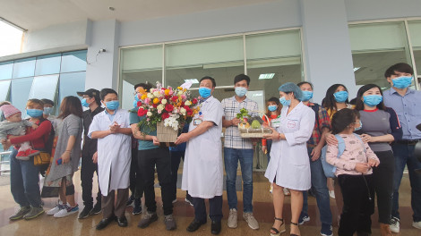 30 công dân được đón về từ Vũ Hán khỏe mạnh, xuất viện sau 21 ngày cách ly