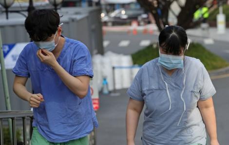 Nhân viên y tế Hàn Quốc kiệt sức giữa đại dịch COVID-19