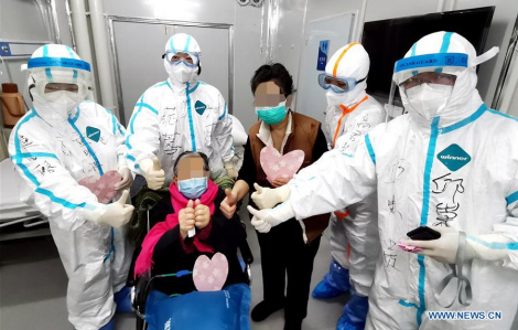 Thêm hai bác sĩ Trung Quốc chết vì COVID-19