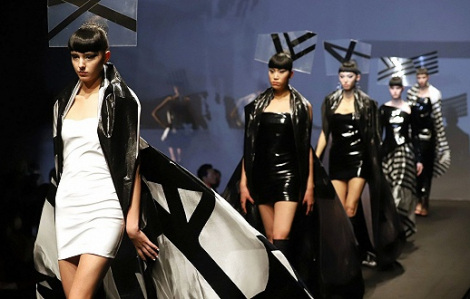 'Tuần lễ thời trang Tokyo 2020' bị hủy bỏ vì dịch bệnh COVID-19