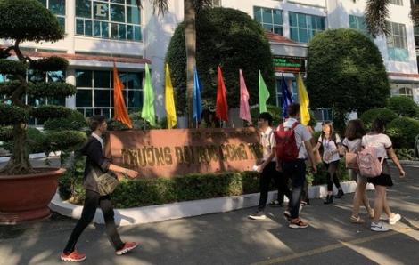 Nhiều trường đại học tiếp tục cho sinh viên nghỉ đến hết tháng 3