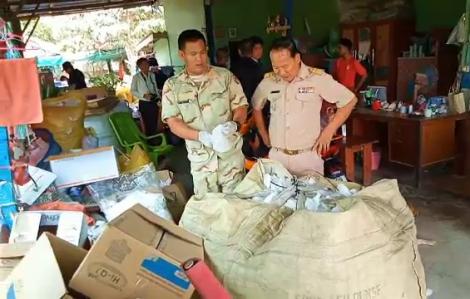 Thái Lan triệt phá xưởng 'hô biến' khẩu trang cũ thành mới