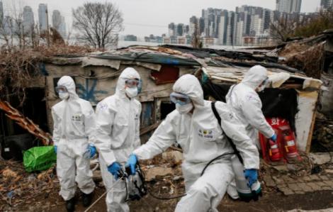 Hàng ngàn bệnh nhân Hàn Quốc chờ đợi giường bệnh, Mỹ có ca tử vong thứ 9