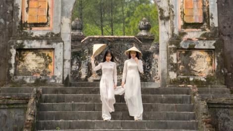 Phụ nữ mặc áo dài được miễn phí vé tham quan di tích Huế từ ngày 6 đến 8/3