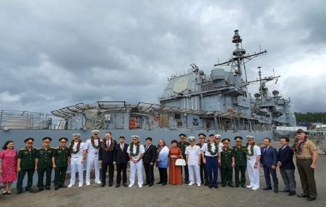 Tàu sân bay Hoa Kỳ thăm cảng Tiên Sa, thắt chặt quan hệ Việt - Mỹ
