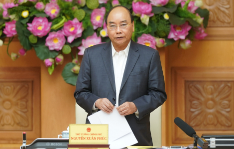 """Thủ tướng Nguyễn Xuân Phúc: """"Cần có phương án huy động một số khách sạn, cơ sở lưu trú để cách ly khi cần thiết"""""""