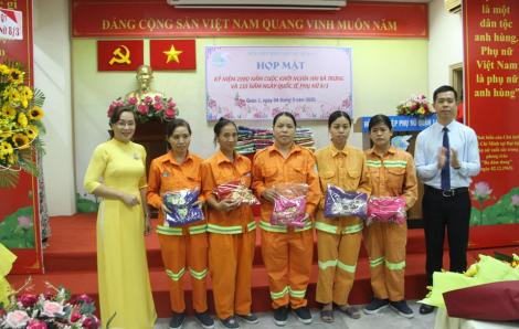 90 bộ áo dài cho nữ công nhân vệ sinh